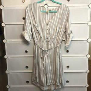 Mimi Chica • White/grey Shirt Dress Sz M